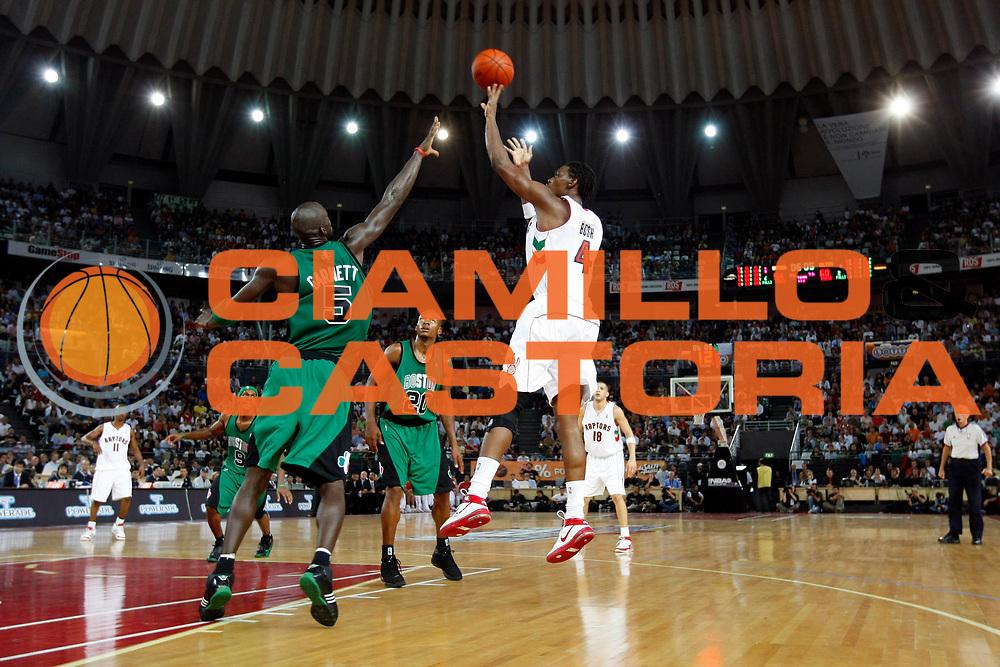 DESCRIZIONE : Roma Nba Europe Live Tour 2007 Toronto Raptors Boston Celtics <br /> GIOCATORE : Chris Bosh<br /> SQUADRA : Toronto Raptors<br /> EVENTO : Nba Europe Live Tour 2007<br /> GARA : Toronto Raptors Boston Celtics<br /> DATA : 06/10/2007<br /> CATEGORIA : Tiro<br /> SPORT : Pallacanestro<br /> AUTORE : Agenzia Ciamillo-Castoria/G.Cottini