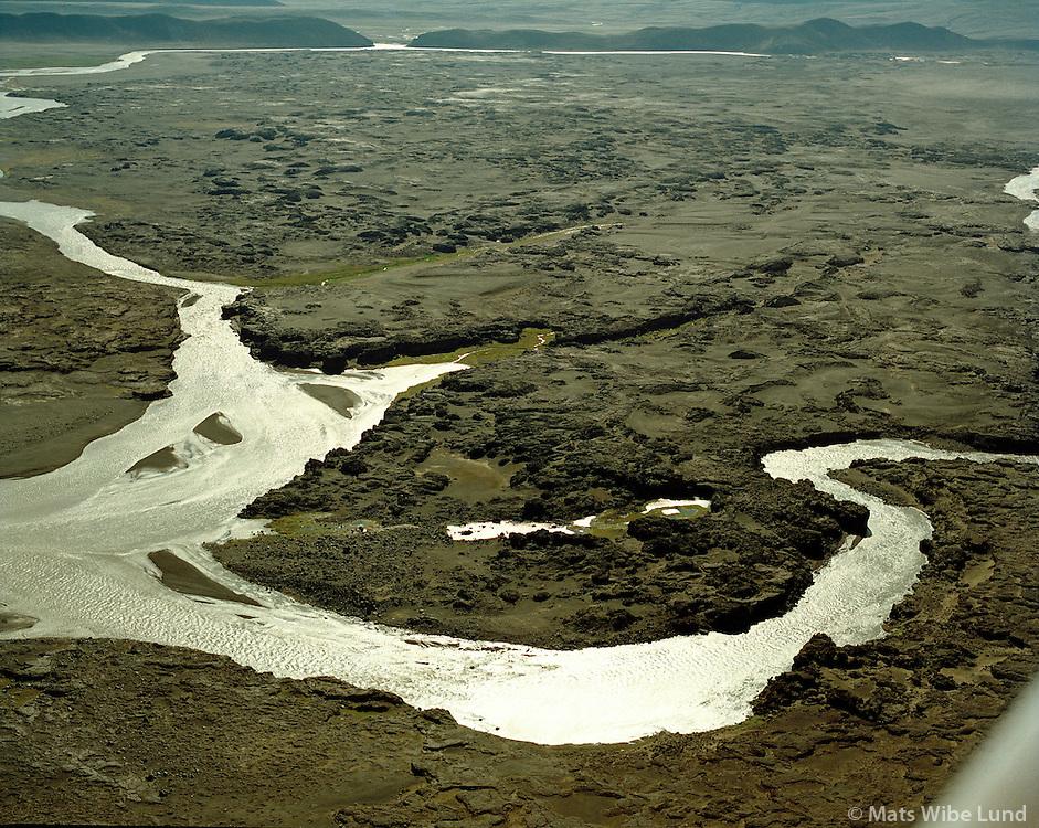Kreppa t.v og Jökulsá á Fjöllum nálægt Herðubreið. Hálendið. /.The rivers Kreppa left and Jokulsa a Fjollum river in the northern Highlands near Herdubreid.