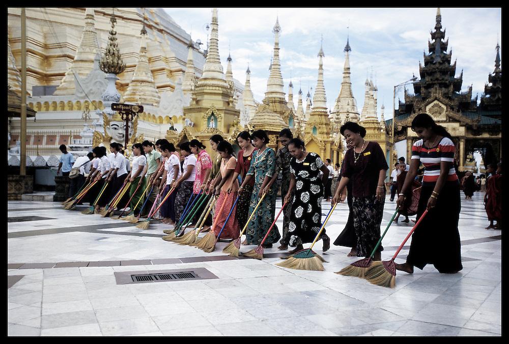 Yangon (Rangoon), Myanmar. Shwedagon Pagoda, largest and most sacred Buddhist Pagoda of the world.
