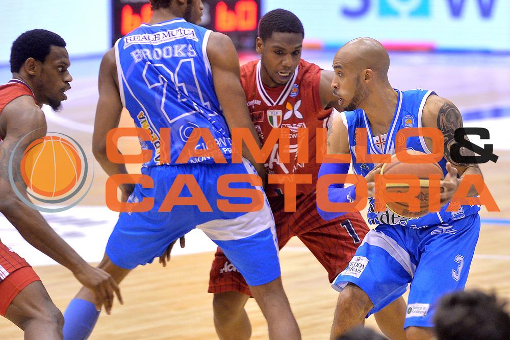 DESCRIZIONE : Milano Lega A 2014-15 EA7 Emporio Armani Milano vs Banco di Sardegna Sassari playoff Semifinale gara 1 <br /> GIOCATORE : Logan David<br /> CATEGORIA : Palleggio blocco<br /> SQUADRA : Banco di Sardegna Sassari<br /> EVENTO : PlayOff Semifinale gara 1<br /> GARA : EA7 Emporio Armani Milano vs Banco di Sardegna SassariPlayOff Semifinale Gara 1<br /> DATA : 29/05/2015 <br /> SPORT : Pallacanestro <br /> AUTORE : Agenzia Ciamillo-Castoria/Mancini Ivan<br /> Galleria : Lega Basket A 2014-2015 Fotonotizia : Milano Lega A 2014-15 EA7 Emporio Armani Milano vs Banco di Sardegna Sassari playoff Semifinale  gara 1 Predefinita :