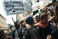 Milano, 1° maggio 2015. Mayday contro Expo 2015. Carro con sound system.