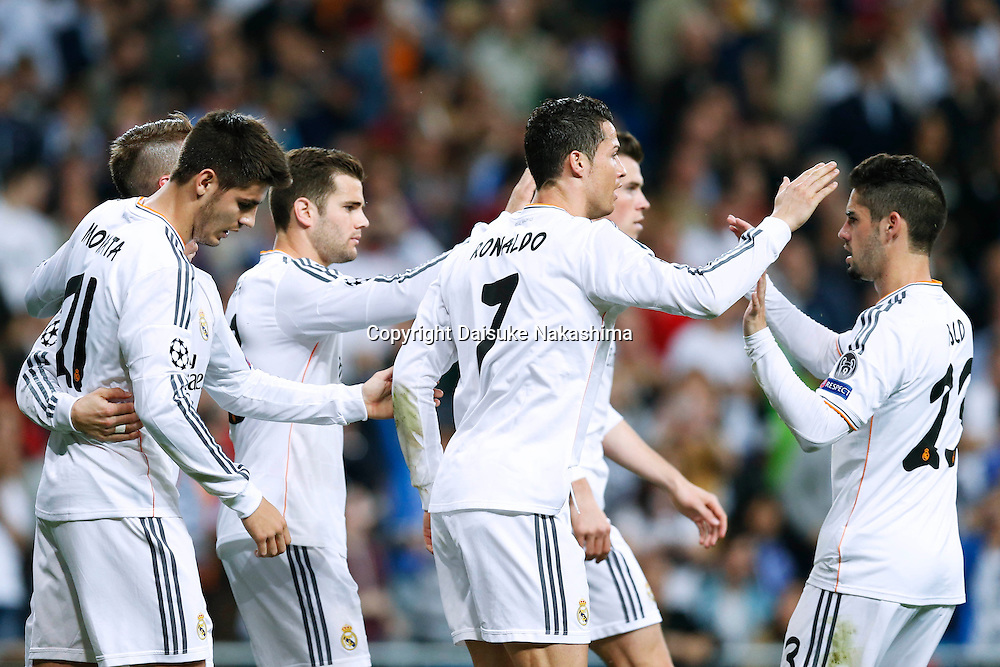 Real Madrid team group (Real), MARCH 18, 2014 - Football / Soccer : UEFA Champions League Round of 16, 2nd leg match between Real Madrid 3-1 FC Schalke 04 at Estadio Santiago Bernabeu in Madrid, Spain. (Photo by D.Nakashima/AFLO)