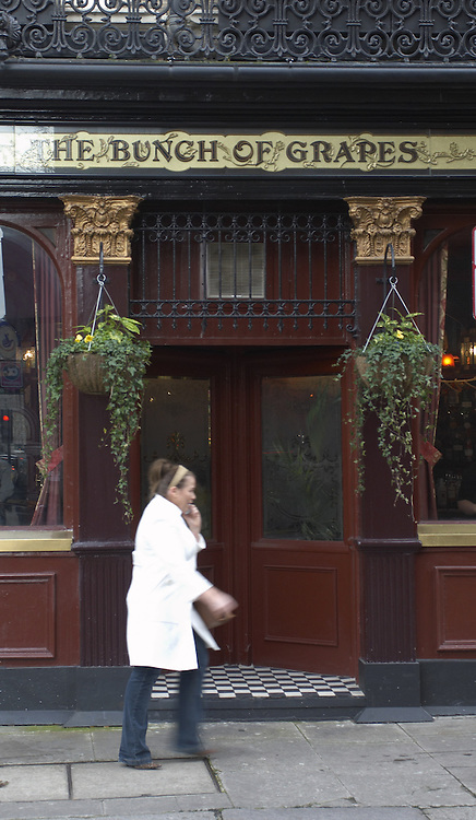 The Bunch of Grapes pub, Knightsbridge, London