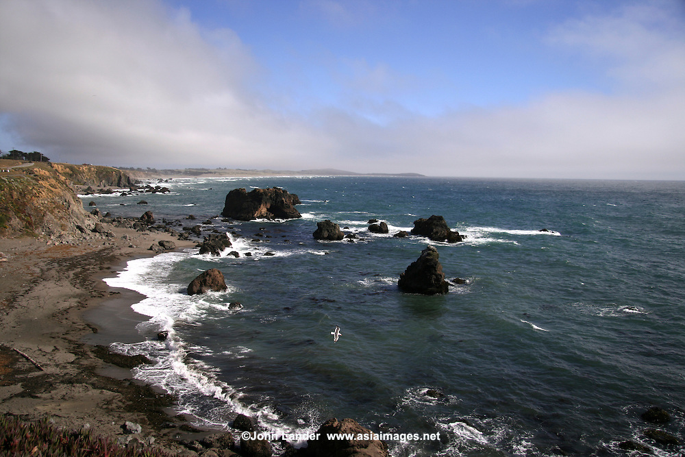 Bodega Bay is a shallow, rocky inlet of the Pacific Ocean on the coast of northern California in the United States. The bay straddles the boundary between Sonoma County to the north and Marin County to the south.<br />
