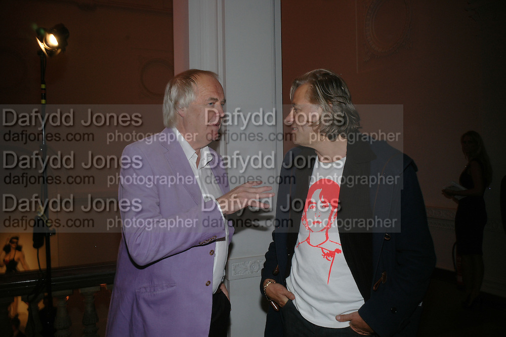 Sir Tim Rice and Sir Bob Geldof, ' Show Off' Theo Fennell exhibition co-hosted wit Vanity Fair. Royal Academy. Burlington Gdns. London. 27 September 2007. -DO NOT ARCHIVE-© Copyright Photograph by Dafydd Jones. 248 Clapham Rd. London SW9 0PZ. Tel 0207 820 0771. www.dafjones.com.