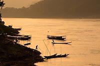 Laos, Province de Luang Prabang, ville de Luang Prabang, Patrimoine mondial de l'UNESCO depuis 1995, fleuve Mekong // Laos, Province of Luang Prabang, city of Luang Prabang, World heritage of UNESCO since 1995, Mekong river
