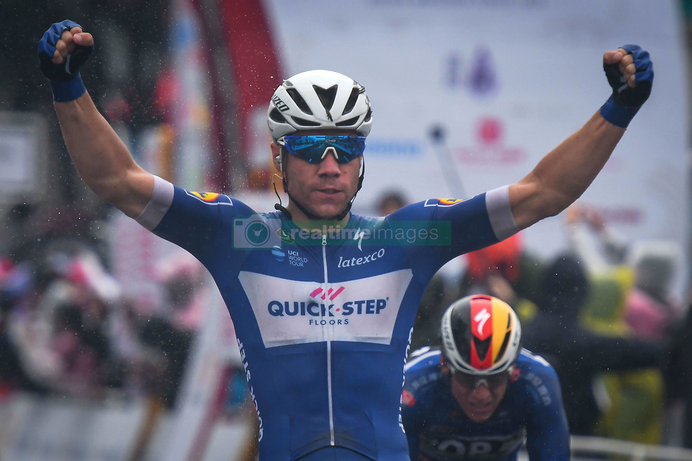 October 21, 2018 - Guilin, China - Fabio Jacobsen (Center) of Netherlands and Quick Step Floors Team wins the stage, ahead of Pascal Ackermann (Right) of Germany and Bora - Hansgrohe Team, the six and final stage, 169km Guilin Stage, of the 2nd Cycling Tour de Guangxi 2018. .On Sunday, October 21, 2018, in, Guilin, China. (Credit Image: © Artur Widak/NurPhoto via ZUMA Press)