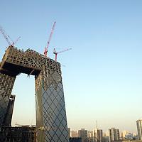 Construcción del nuevo edificio de comunicaciones, mejor conocido como CCTV,  Marzo 2008, Beijing, China. Fotógrafo: Bernardo De Niz