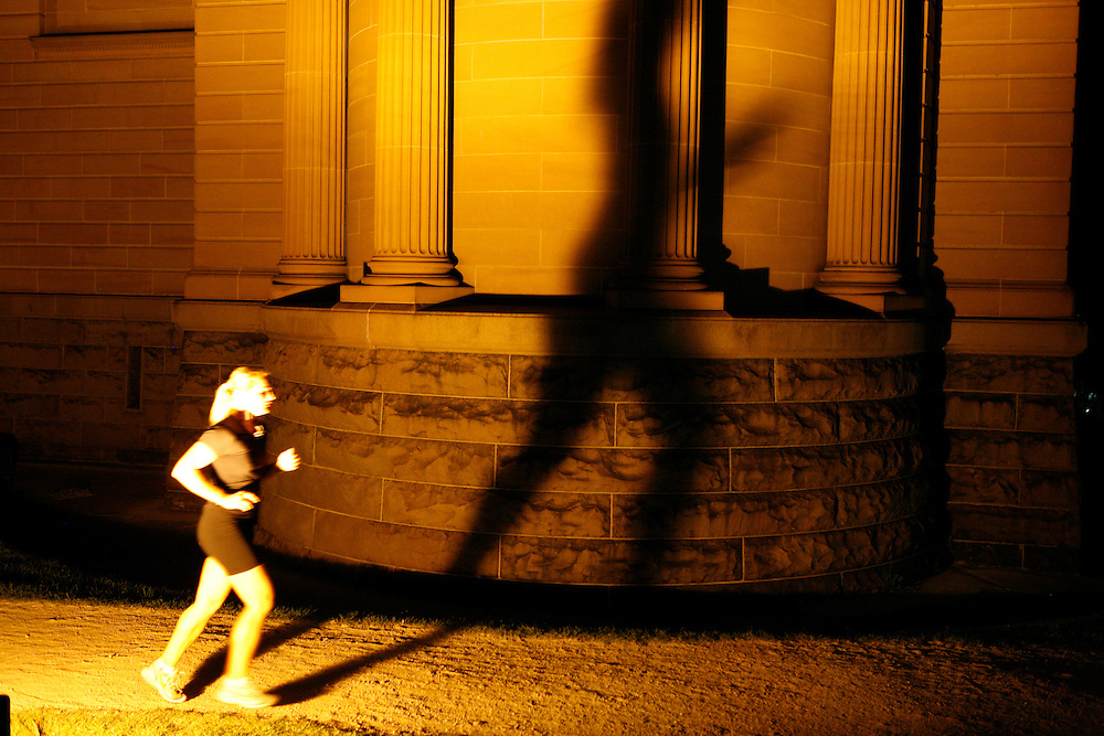 Art gallery runner, Sydney