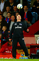 Fotball<br /> Premier League England 2004/2005<br /> Foto: BPI/Digitalsport<br /> NORWAY ONLY<br /> <br /> Crystal Palace v Fulham<br /> <br /> FA Barclays Premiership. 04/10/2004.<br /> <br /> Iain Dowie, the Crystal Palace manager