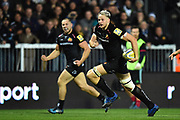 Jonny Hill of Exeter Chiefs runs in to score his second try which made the score after a converted kick 28-17 during the Aviva Premiership match between Exeter Chiefs and Harlequins at Sandy Park, Exeter, United Kingdom on 19 November 2017. Photo by Graham Hunt.