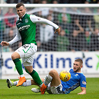 St Johnstone v Hibs…12.08.18…  McDiarmid Park    SPFL<br />Olly Shaw is tackled by Liam Gordon<br />Picture by Graeme Hart. <br />Copyright Perthshire Picture Agency<br />Tel: 01738 623350  Mobile: 07990 594431