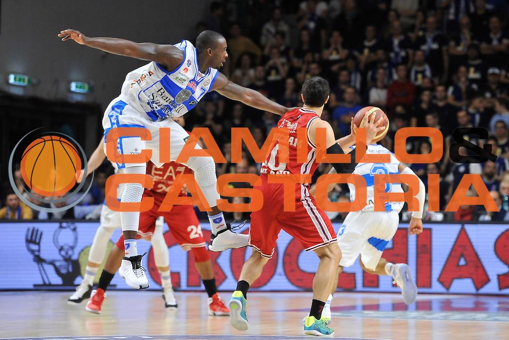 DESCRIZIONE : Campionato 2014/15 Dinamo Banco di Sardegna Sassari - Olimpia EA7 Emporio Armani Milano<br /> GIOCATORE : Rakim Sanders<br /> CATEGORIA : Difesa Controcampo<br /> SQUADRA : Dinamo Banco di Sardegna Sassari<br /> EVENTO : LegaBasket Serie A Beko 2014/2015<br /> GARA : Dinamo Banco di Sardegna Sassari - Olimpia EA7 Emporio Armani Milano<br /> DATA : 07/12/2014<br /> SPORT : Pallacanestro <br /> AUTORE : Agenzia Ciamillo-Castoria / Luigi Canu<br /> Galleria : LegaBasket Serie A Beko 2014/2015<br /> Fotonotizia : Campionato 2014/15 Dinamo Banco di Sardegna Sassari - Olimpia EA7 Emporio Armani Milano<br /> Predefinita :