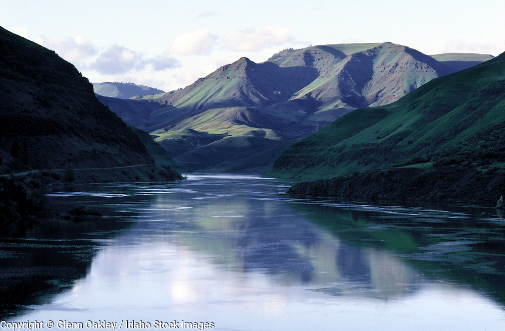 Scenic view of the Snake River at Brownlee Resevoir, above Hells Canyon, Idaho.
