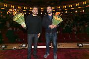 2017-11-07. Pathe Tuschinski, Amsterdam. Regisseurs Eric Toledano en Olivier Nakache bij de Nederlandse premiere van C'est La Vie.