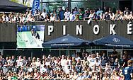 AMSTELVEEN -  Hockey Hoofdklasse heren Pinoke-Amsterdam (3-6).  Drukte clubhuis voor Dennis Warmerdam. . COPYRIGHT KOEN SUYK