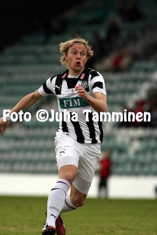 27.04.2009, Kupittaa, Turku, Finland..Veikkausliiga 2009 - Finnish League 2009.FC TPS Turku - JJK Jyv?skyl?.Samu-Petteri M?kel? - TPS.©Juha Tamminen.