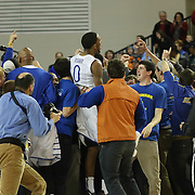 Delaware defeats College of Charleston 67-64