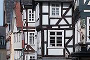 Hermesfigur an Fachwerkhaus, Barfüßerstraße, Oberstadt, Altstadt, Marburg, Hessen, Deutschland | Hermes figure, Bafuesserstrasse, St. George statue, old town, Marburg, Hesse, Germany