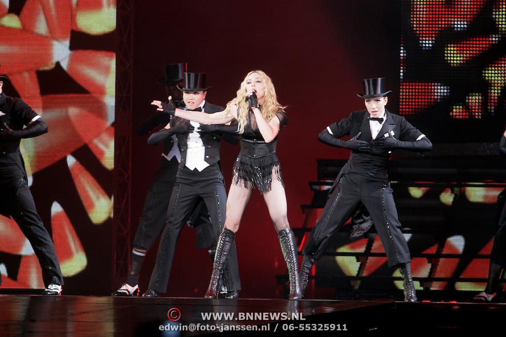 "NLD/Amsterdam/20080902 - Concert Madonna ""Sticky & Sweet Tour"" Amsterdam,"
