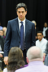 © Licensed to London News Pictures. 19/01/2015London, UK. Labour leader Ed Miliband speaks at a question and answer session in Mill Hill, North West London. Photo credit : Simon Jacobs/LNP