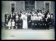 wedding family large group portrait circa 1930s France