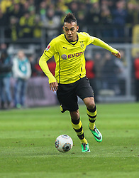 25.01.2014, Signal Iduna Park, Dortmund, GER, 1. FBL, Borussia Dortmund vs FC Augsburg, 18. Runde, im Bild Pierre-Emerick Aubameyang (Bor Dortmund) spielt den Ball, Aktion, Freisteller, Einzelaktion, Ganzkoerper, Ganzfigur, hoch, Hochformat, vertikal // during the German Bundesliga 18th round match between Borussia Dortmund and FC Augsburg at the Signal Iduna Park in Dortmund, Germany on 2014/01/26. EXPA Pictures &copy; 2014, PhotoCredit: EXPA/ Eibner-Pressefoto/ Krieger<br /> <br /> *****ATTENTION - OUT of GER*****