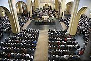 Nederland, Groesbeek, 2-2-2014De pastoor van Groesbeek neemt afscheid. De kerk is afgeladen vol.Foto: Flip Franssen