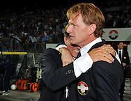30-08-2008 Voetbal:Willem II:Ajax:Tilburg<br /> Andries Jonker valt Alfons Groenendijk huilend in de armen na de overwinning op Ajax<br /> Foto: Geert van Erven