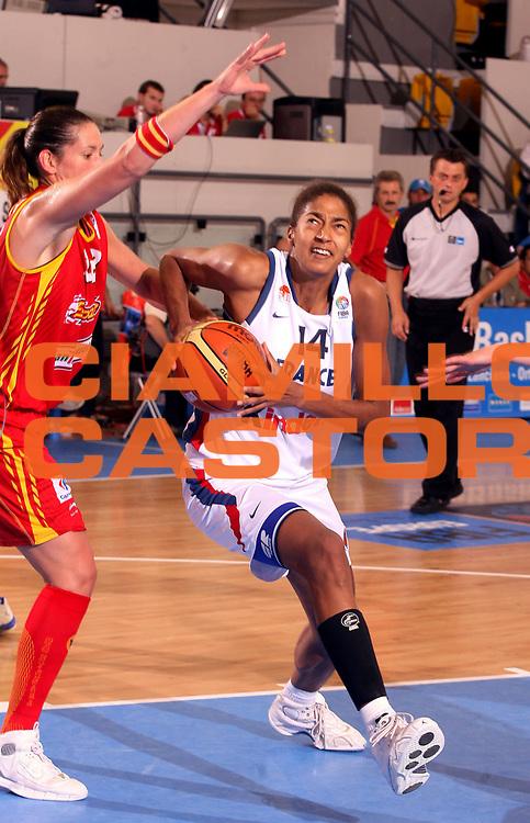 DESCRIZIONE : Ortona Italy Italia Eurobasket Women 2007 Francia Spagna France Spain<br /> GIOCATORE : Emmeline Ndongue <br /> SQUADRA : Francia France<br /> EVENTO : Eurobasket Women 2007 Campionati Europei Donne 2007 <br /> GARA : Francia Spagna France Spain<br /> DATA : 01/10/2007 <br /> CATEGORIA : Penetrazione<br /> SPORT : Pallacanestro <br /> AUTORE : Agenzia Ciamillo-Castoria/H.Bellenger<br /> Galleria : Eurobasket Women 2007 <br /> Fotonotizia : Ortona Italy Italia Eurobasket Women 2007 Francia Spagna France Spain<br /> Predefinita :