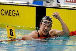 06-12-2008 ZWEMMEN: SWIMCUP: EINDHOVEN<br /> Job Kienhuis schreef zaterdag geschiedenis bij de Swim Cup in Eindhoven. De zwemmer uit Denekamp verbeterde in een race twee Nederlandse records, op 800 en 1500 meter vrije slag: 8.07,62 en 15.18,51<br /> ©2008-WWW.FOTOHOOGENDOORN.NL