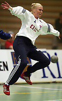 Håndball, 25. september 2002. Treningskamp, Norge  - Jugoslavia 28-29. Heidi Tjugum, Norge.