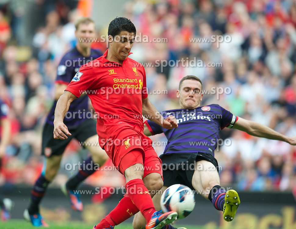 02.09.2012, Anfield, Liverpool, ENG, Premier League, FC Liverpool vs FC Arsenal, 2. Runde, im Bild Liverpool's Luis Alberto Suarez Diaz in action against Arsenal during the English Premier League 2nd round match between Liverpool FC and Arsenal FC at Anfield, Liverpool, Great Britain on 2012/09/02. EXPA Pictures © 2012, PhotoCredit: EXPA/ Propagandaphoto/ David Rawcliff..***** ATTENTION - OUT OF ENG, GBR, UK *****