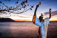Estátua de Iemanjá na Praia do Ribeirão da Ilha. Florianópolis, Santa Catarina, Brasil. / <br /> Yemanja statue in Ribeirao da Ilha Beach. Florianopolis, Santa Catarina, Brazil.