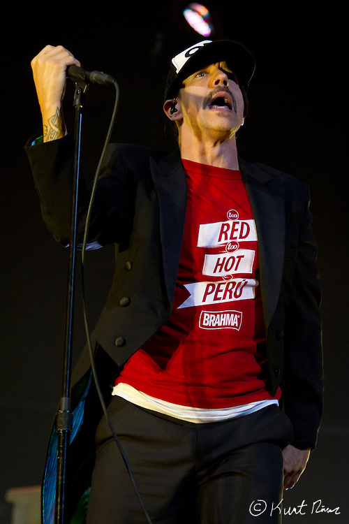 March 31, 2012 - Orlando, Florida, U.S. - The Red Hot Chili Peppers singer ANTHONY KIEDIS performs at the Amway Center in Orlando, Florida.
