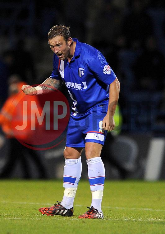 Gillingham's Danny Kedwell celebrates his goal. - Photo mandatory by-line: Dougie Allward/JMP - Mobile: 07966 386802 - 08/11/2014 - SPORT - Football - Gillingham - Priestfield Stadium - Gillingham v Bristol City - FA Cup - Round One