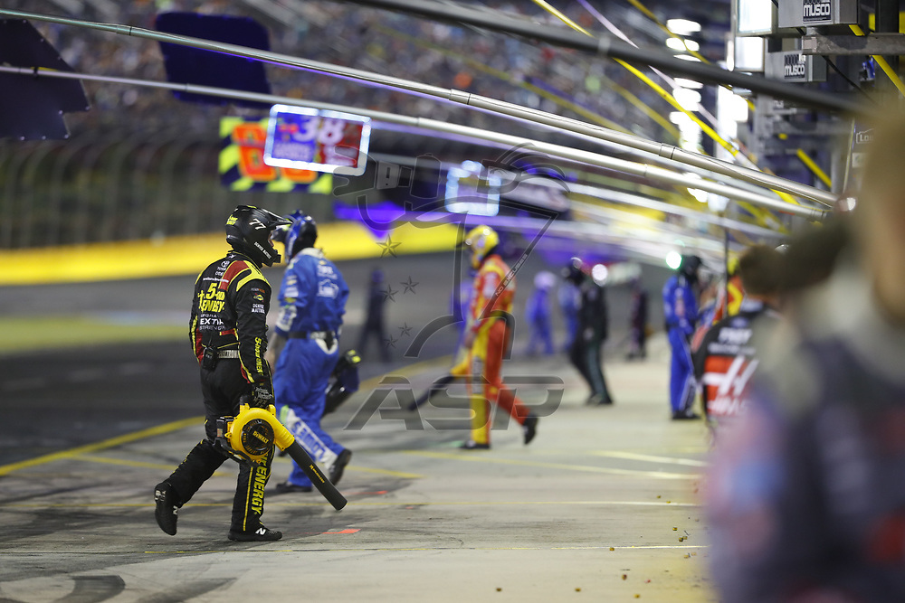 May 28, 2017 - Concord, NC, USA: Pit crew members on the team of Erik Jones (77) work during the Coca Cola 600 at Charlotte Motor Speedway in Concord, NC.