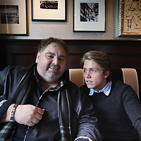 Nederland, Amsterdam , 18 februari 2014.<br /> De Amsterdamse volkszanger Peter Beense en de Nederlandse zanger en zoon van Andre Hazes, Dré Hazes j.r.<br /> Foto:Jean-Pierre Jans