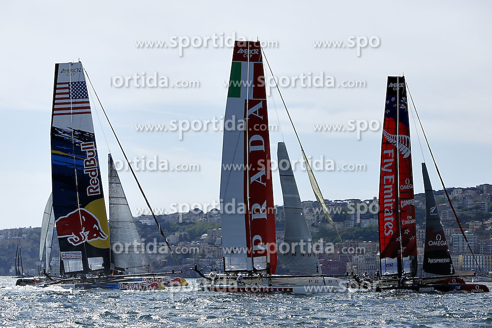 17.04.2013, Neapel, ITA, Americas Cup World Series 2013, im Bild Luna Rossa Swordfish con Emirates New Zealand e HS Racing (USA) // during Americas Cup World Series 2013 Napoli, Italy on 2013/04/17. EXPA Pictures © 2013, PhotoCredit: EXPA/ Insidefoto/ Matteo Ciambelli ***** ATTENTION - for AUT, SLO, CRO, SRB, BIH and SWE only *****