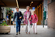 3-9-2018 BRUSSELS - Queen Mathilde together with Prince Gabriël starts at the 4th year of secondary school) and Princess Éléonore (10 years since 16/04/2018, starts at the 5th year of primary school) at the Sint-Jan-Berchmanscollege COPYRUGHT ROBIN UTRECHT