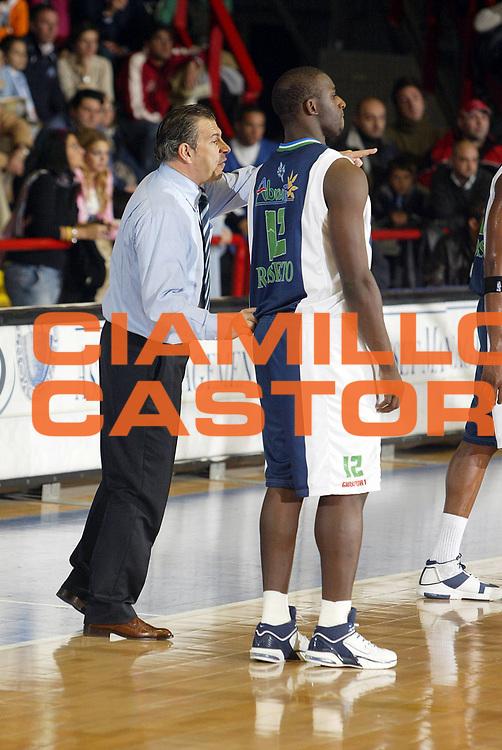 DESCRIZIONE : Napoli Lega A1 2005-06 Carpisa Napoli Basket-Roseto Basket<br /> GIOCATORE : Marlossi Babalola<br /> SQUADRA : Roseto Basket<br /> EVENTO : Campionato Lega A1 2005-2006<br /> GARA : Carpisa Napoli Roseto Basket<br /> DATA : 20/11/2005 <br /> CATEGORIA : <br /> SPORT : Pallacanestro <br /> AUTORE : Agenzia Ciamillo-Castoria/E.Castoria