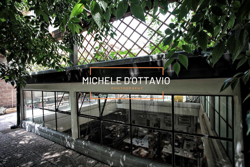 Our secret garden - a vegetable garden on the roof un orto urbano su un tetto in un cortile di San Salvario, Torino, Italia<br /> Il progetto &egrave; stato elaborato dallo Studio 999 nell'ambito della ristrutturazione di un edificio ottocentesco nel quartiere di San Salvario.