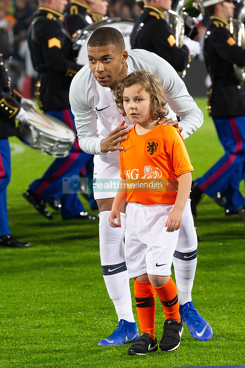 Kylian Mbappe of France, ing oranjevriendjes line up, lineup, child during the UEFA Nations League A group 1 qualifying match between The Netherlands and France at stadium De Kuip on November 16, 2018 in Rotterdam, The Netherlands