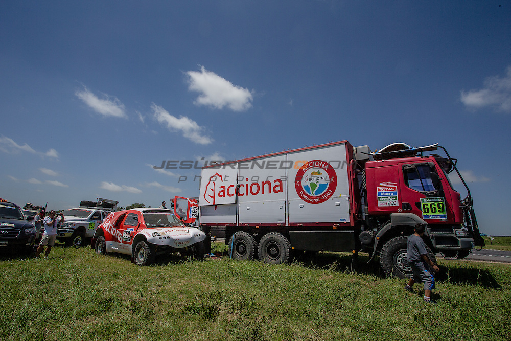 Acciona 100x100 ecopowered,electric car, in Buenos Aires, Argentina, First stage Dakar rally 2015