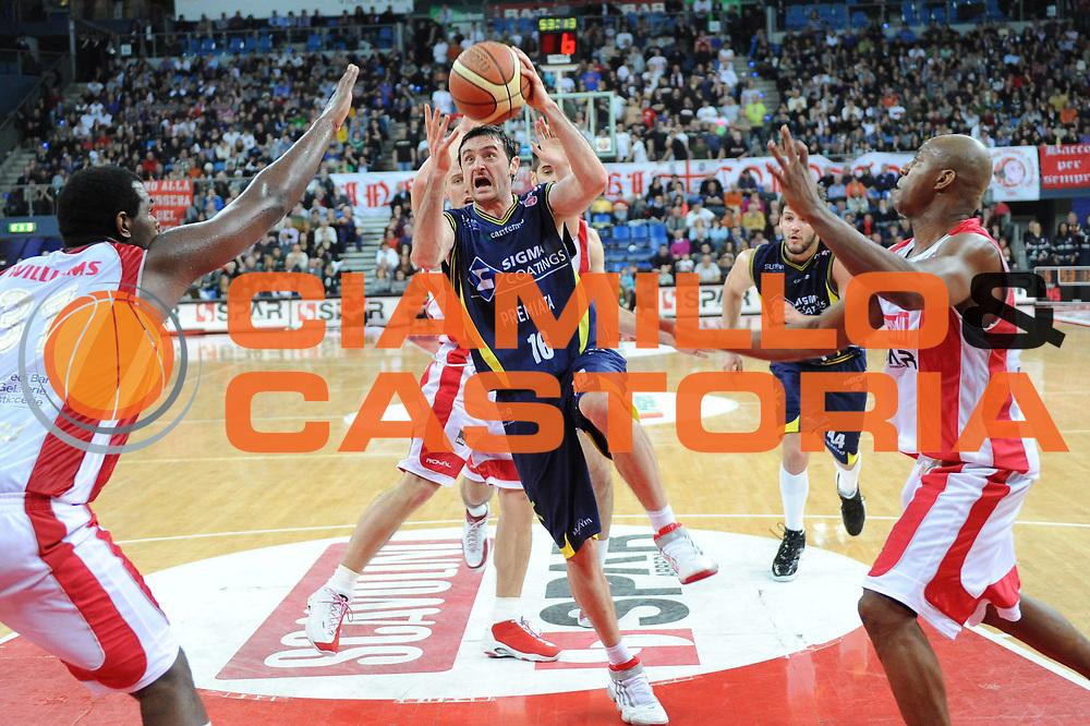 DESCRIZIONE : Pesaro Lega A 2009-10 Scavolini Spar Pesaro Sigma Coatings Montegranaro<br /> GIOCATORE : Dimitrios Tsaldaris<br /> SQUADRA : Sigma Coatings Montegranaro<br /> EVENTO : Campionato Lega A 2009-2010<br /> GARA : Scavolini Spar Pesaro Sigma Coatings Montegranaro<br /> DATA : 21/03/2010<br /> CATEGORIA : super tiro<br /> SPORT : Pallacanestro<br /> AUTORE : Agenzia Ciamillo-Castoria/M.Marchi<br /> Galleria : Lega Basket A 2009-2010 <br /> Fotonotizia : Pesaro Campionato Italiano Lega A 2009-2010 Scavolini Spar Pesaro Sigma Coatings Montegranaro <br /> Predefinita :
