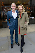 Aankomst gasten bij het Huwelijk Chantal Janzen en Marco Geeratz in Hotel Café Royal Londen<br /> <br /> op de foto:  Wendy van Dijk en partner Erland Galjaard