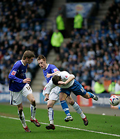 Photo: Marc Atkins.<br /> <br /> Leicester City v Reading. Coca Cola Championship. 25/03/2006.Matty Fryatt (R) tumbles after clashing with Leicester's Richard Stearman