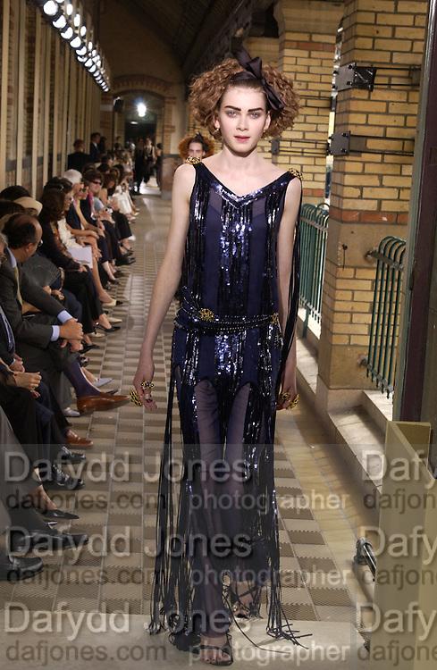 Chanel Haute Couture. Lycee Buffon. Paris. 10 July 2001. © Copyright Photograph by Dafydd Jones 66 Stockwell Park Rd. London SW9 0DA Tel 020 7733 0108 www.dafjones.com