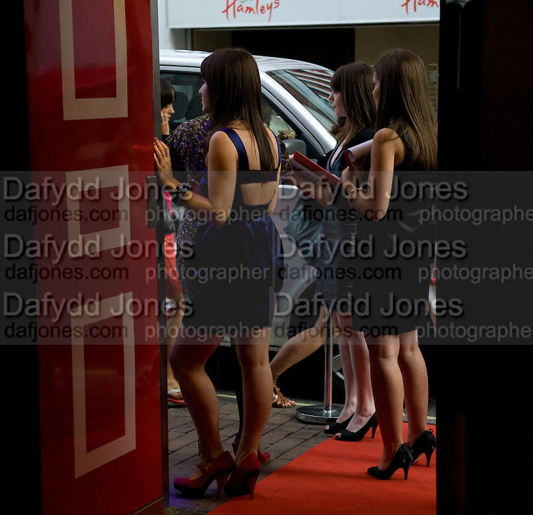 PR GIRLS AT THE DOOR, Elizabeth Arden's 'Eight Hour' party. Kingly St. London. 7 August 2008. *** Local Caption *** -DO NOT ARCHIVE-© Copyright Photograph by Dafydd Jones. 248 Clapham Rd. London SW9 0PZ. Tel 0207 820 0771. www.dafjones.com.