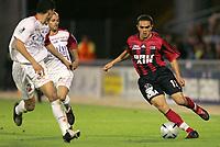Fotball<br /> Frankrike 2004/05<br /> 2. divisjon<br /> Guingamp v Nancy<br /> 24. september 2004<br /> Foto: Digitalsport<br /> NORWAY ONLY<br /> BERTRAND ROBERT (GUI) / GEOFFREY DOUMENG / MICHAEL CHRETIEN (NAN)